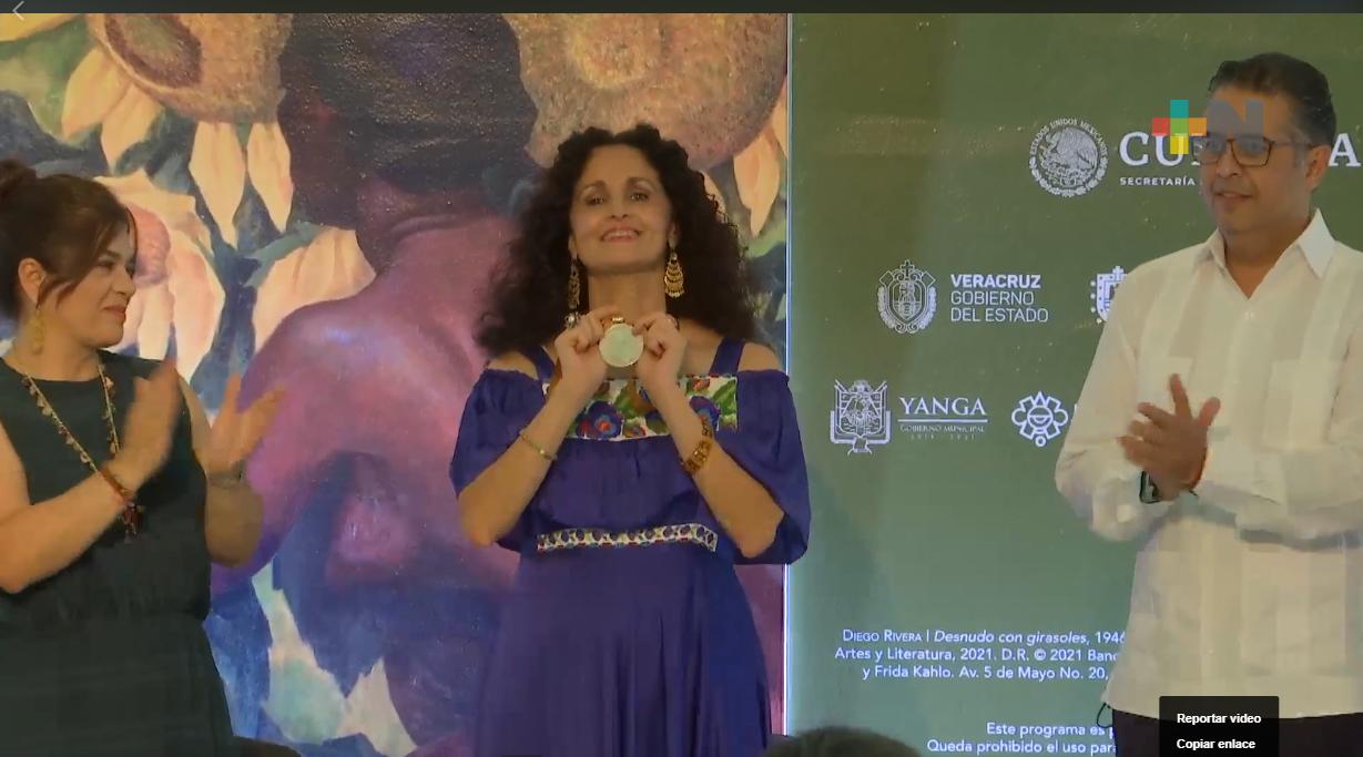 Reconoce IVEC a senadora, Susana Harp, por impulso constitucional a comunidades afromexicanas