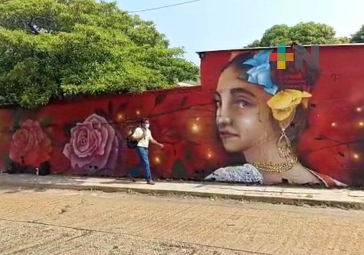 Bardas de avenida de Coatzacoalcos podrían convertirse en el mural más largo del sur de Veracruz