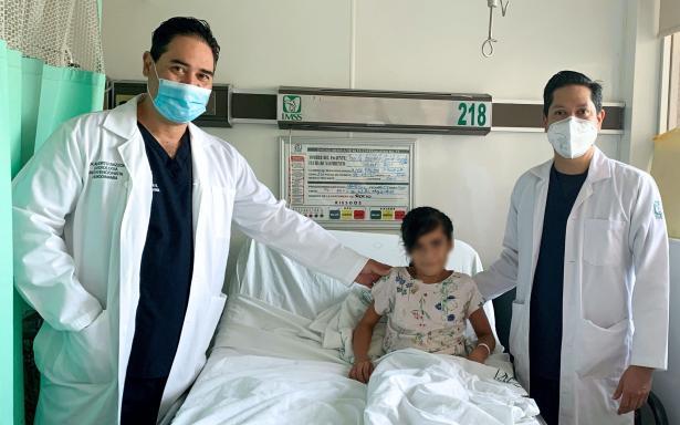 Salvan vida a niña de diez años al colocar primera válvula pulmonar en IMSS Coahuila
