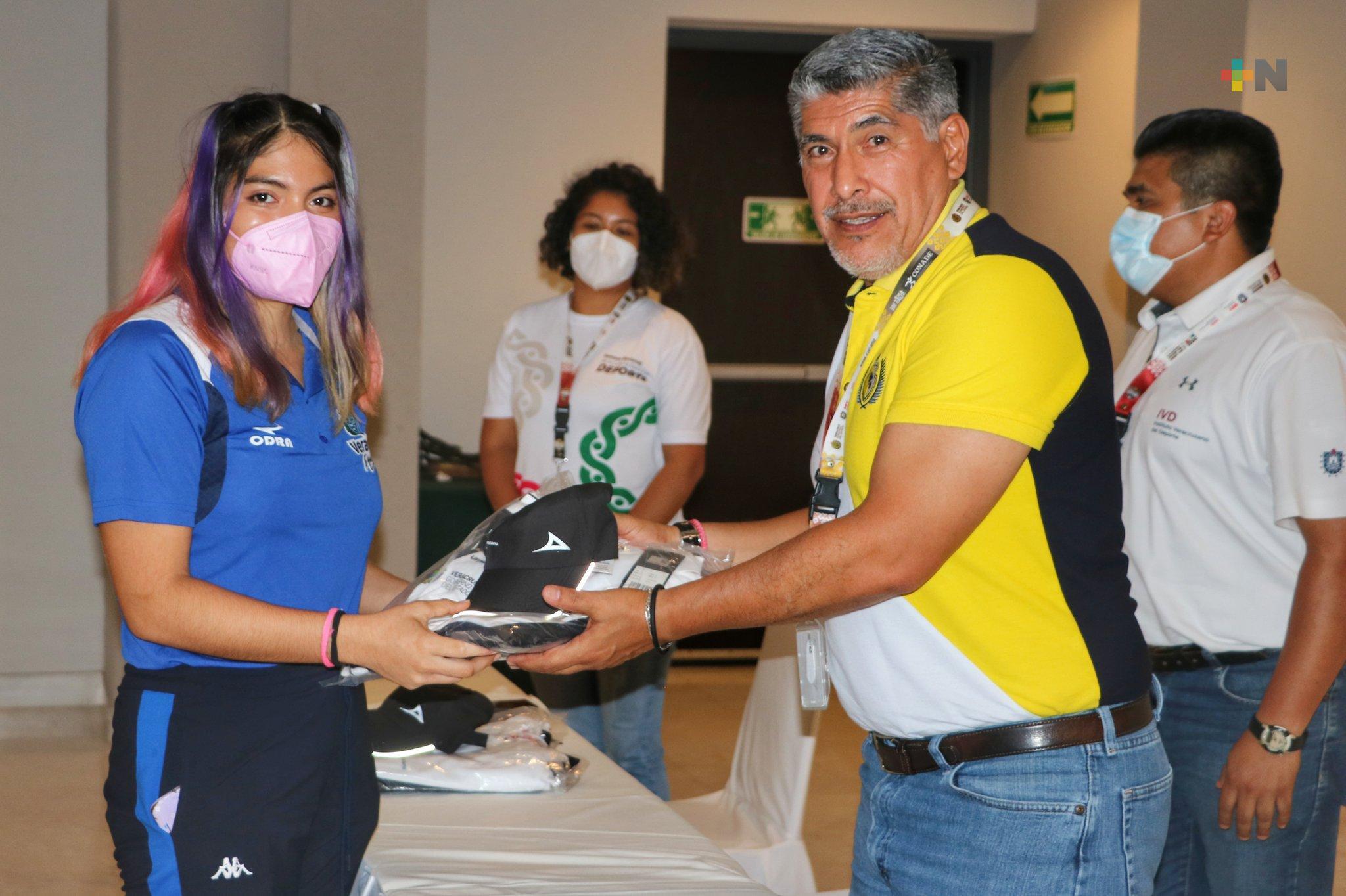 Abanderan delegación veracruzana de Juegos Para- Nacionales CONADE
