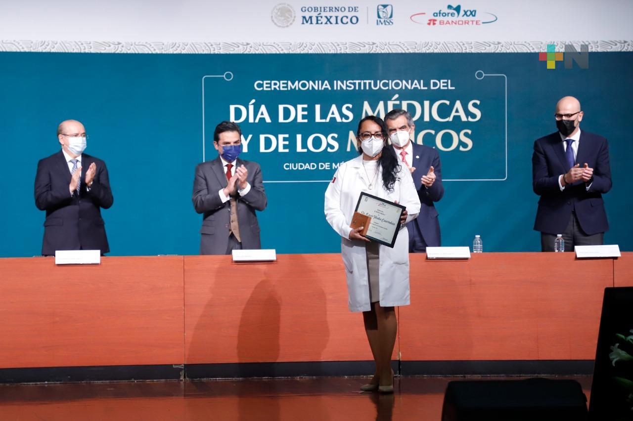 Conmemora IMSS Día de las Médicas y los Médicos