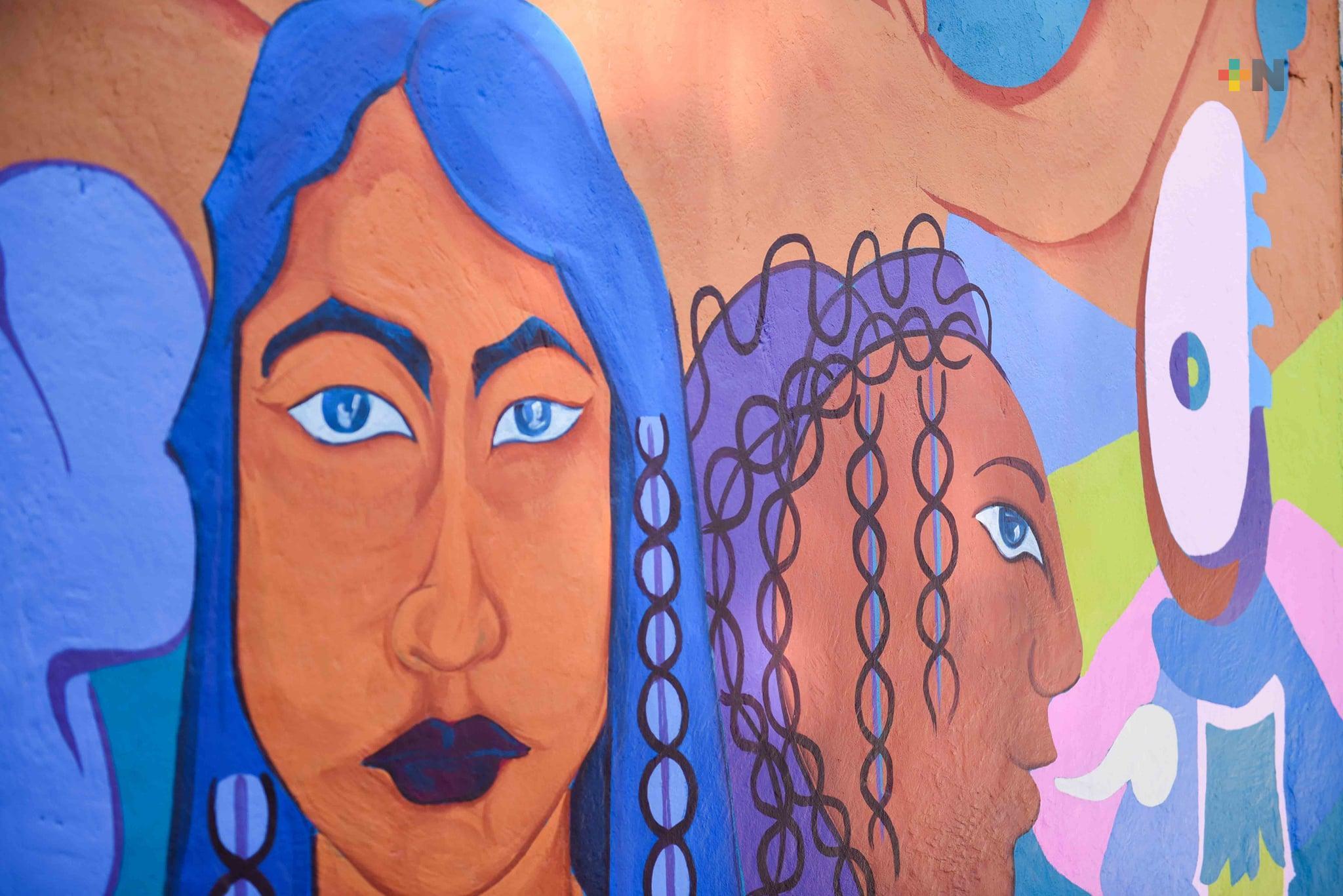 A través del arte se empodera a las mujeres