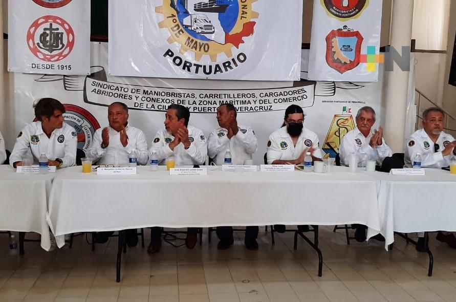 Extrabajadores portuarios de Veracruz reconocen disposición de gobierno federal para escuchar sus demandas