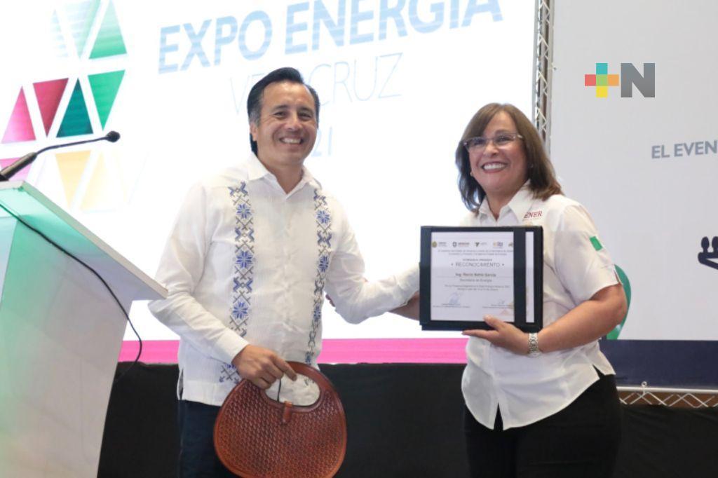 Rocío Nahle brindó ponencia en Expo Energía Veracruz 2021