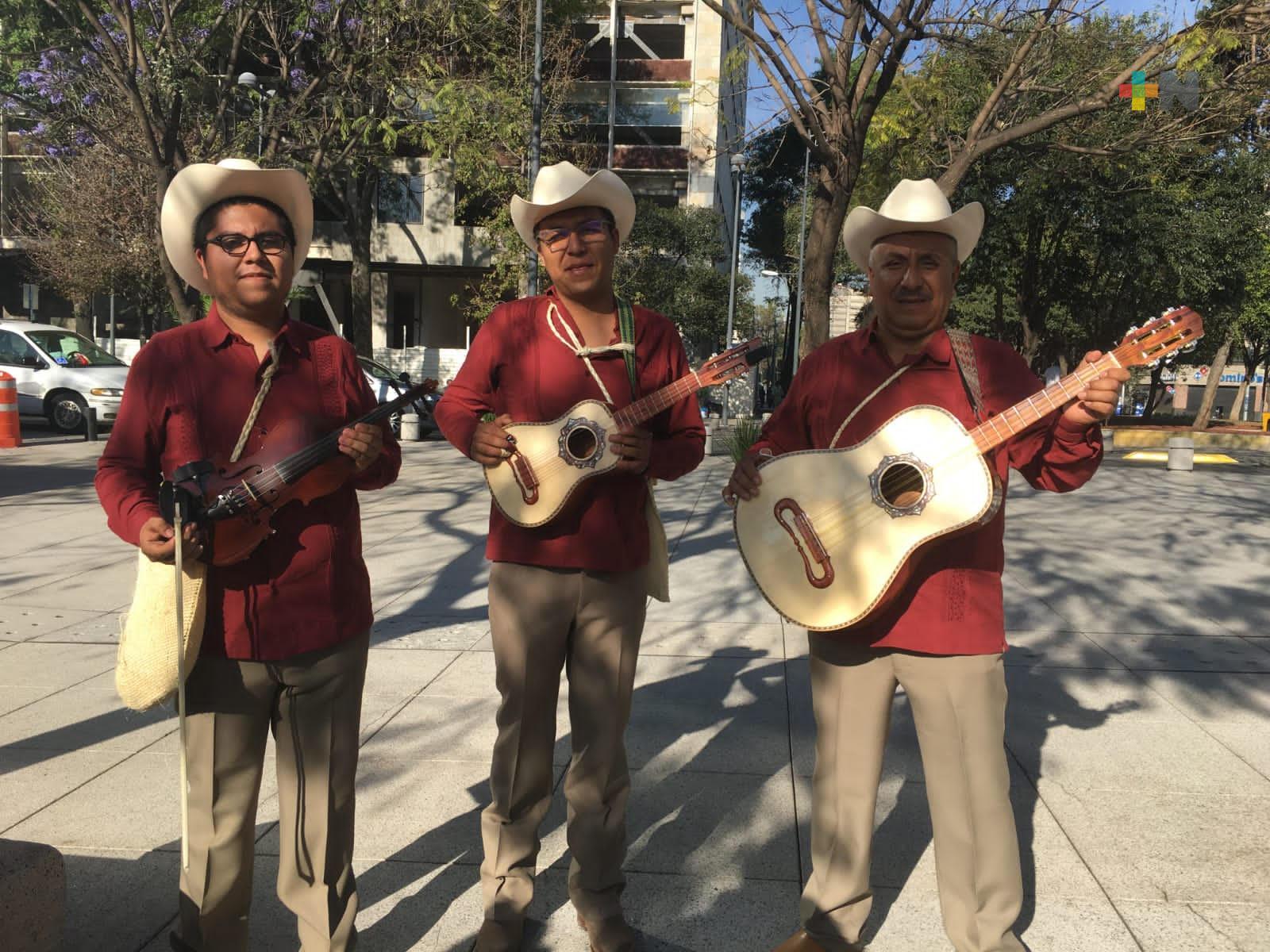 Presenta IVEC riqueza cultural de la Huasteca veracruzana en Los Pinos