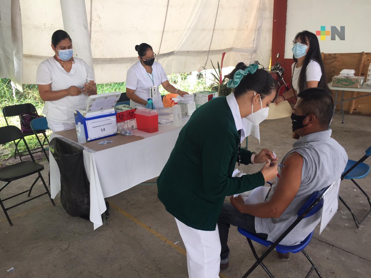 Sigue vacunación en Emiliano Zapata, esperan aplicar más de 7 mil dosis de AstraZeneca