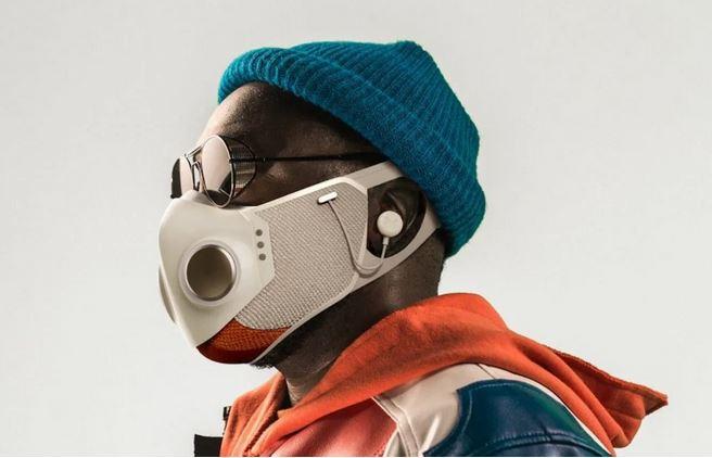 Diseñador mexicano y Will.i.am crean cubrebocas con audífonos